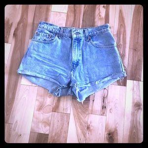 Levi's Highwaist shorts
